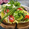 Фото к позиции меню Овощи с грядки