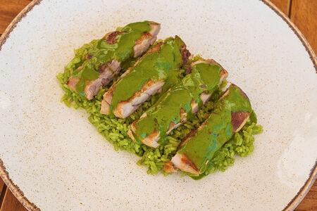 Курица с рисом и зеленым карри