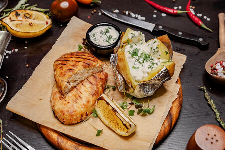Рыбная котлета с запеченным картофелем