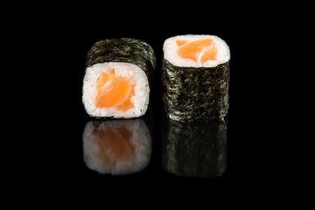 Ролл с лососем