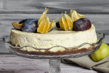 Сырный пирог-чизкейк Слива, антоновка и тархун