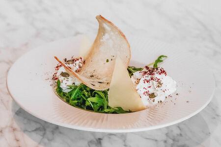 Салат из печеной свеклы с подкопченной сметаной