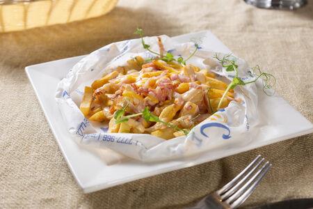 Картофель Фри, запечённый с сыром и беконом