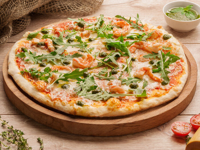 Пицца с тигровыми креветками