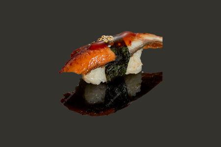 Суши с копченным угрем