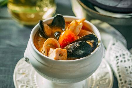 Суп из морской рыбы и морепродуктов