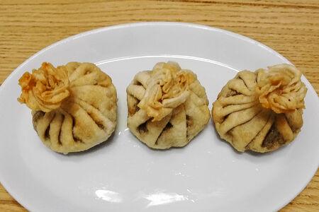 Жареные хинкали с картофелем и грибами