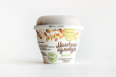Йогурт натуральный Молочная Культура с гранолой