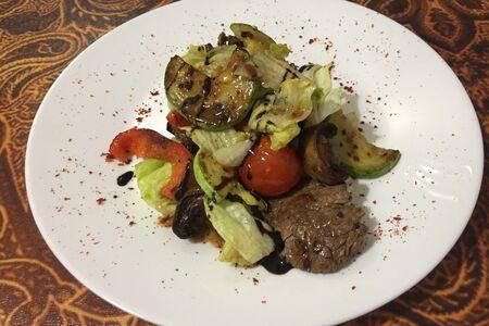 Гриль-салат с телятиной