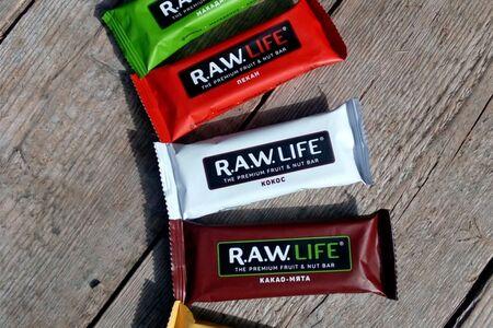 Батончик Raw Life