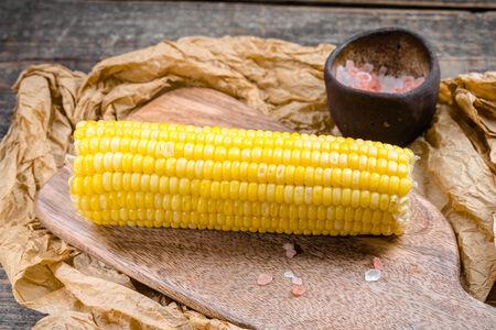 Кукуруза в початках на пару
