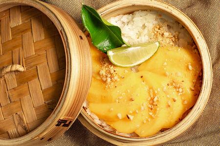 Манго с рисом