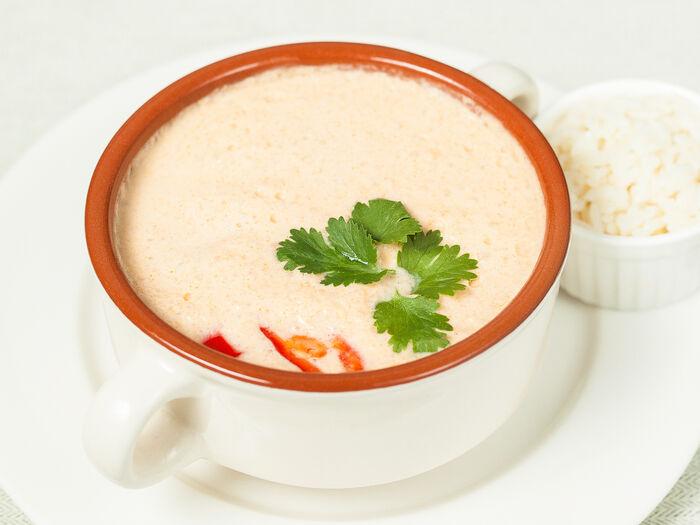 Тайский пикантный суп с морепродуктами