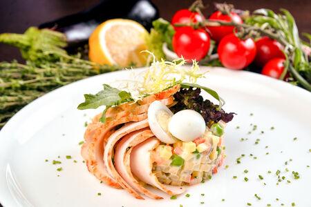 Салат Оливье с куриным филе