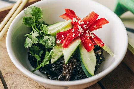 Салат из деревенских грибов Му-шу