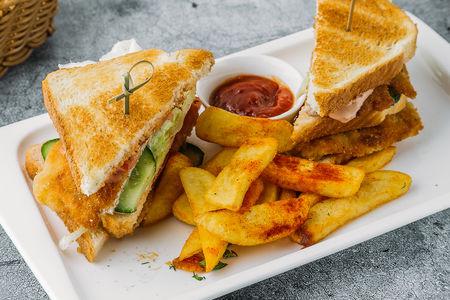 Клаб-сендвич с фри