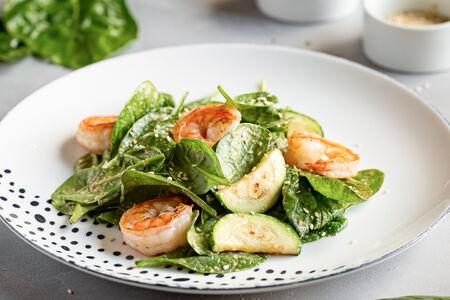 Салат из кабачков с креветками