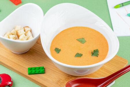 Суп-пюре овощной с гренками