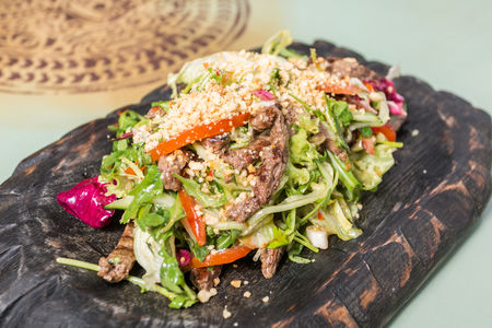 Салат Тайский с говядиной