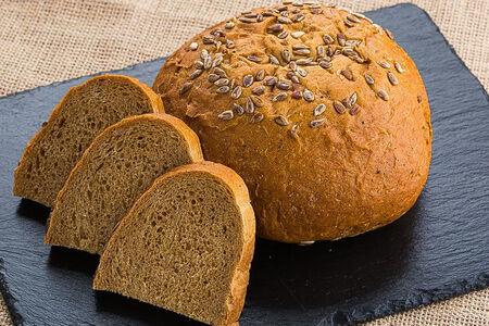 Хлеб серый с семечками