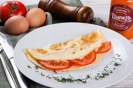 Омлет из трех яиц с томатами