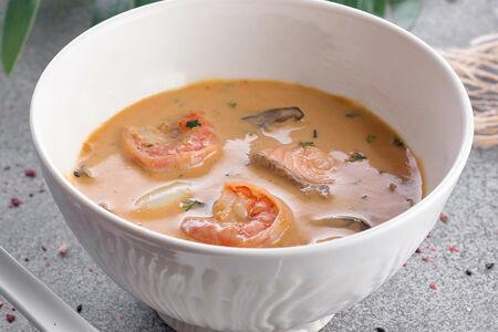 Суп из морепродуктов на кокосовом молоке