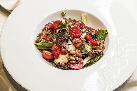 Салат овощной с фенхелем и медовыми грецкими орешками