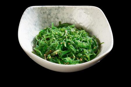 Салат Чука из маринованных водорослей