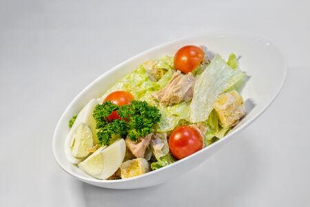 Салат с тунцом Грин Лондон