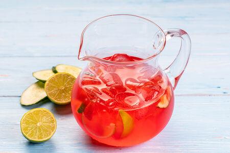 Домашний лимонад Клубника-огурец