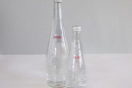 Минеральная вода Evian