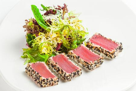 Тайский салат с тунцом