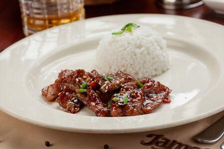 Свинина по-индонезийски с паровым рисом