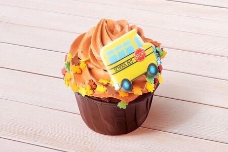 Капкейк шоколадный с украшением