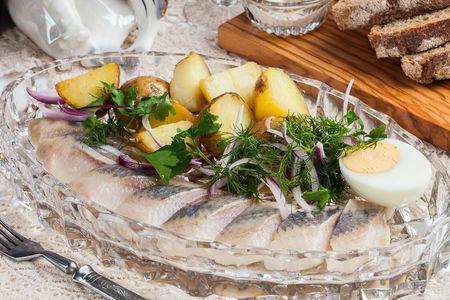 Олюторская сельдь с печеным картофелем