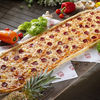 Фото к позиции меню Метровая пицца Ковбой