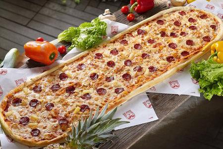 Метровая пицца Ковбой