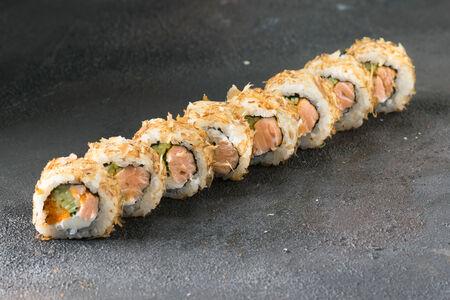 Бонито ролл с лососем