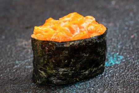 Спайс суши Лосось