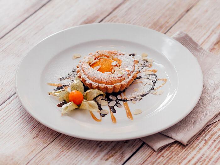 Пирог творожный с персиком и цедрой лимона