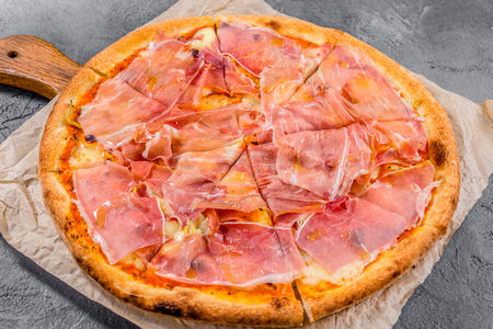 Пицца Пармская ветчина и артишоки