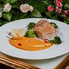 Фото к позиции меню Стейк из семги с морковным кремом