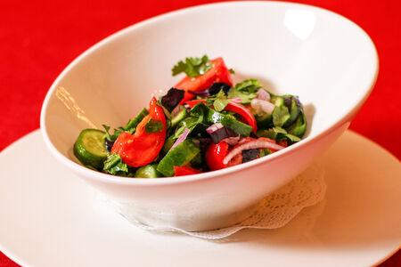 Овощной салат по-грузински