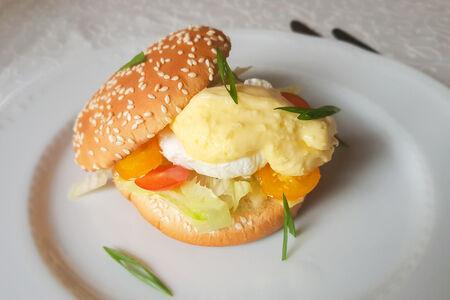 Яйцо Бенедикт