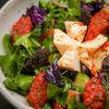 Фото к позиции меню Салат с домашним сыром и ароматным соусом