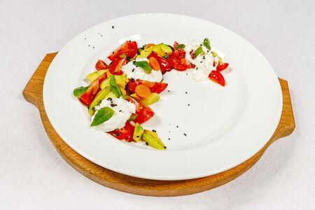 Салат Страчателла с овощами