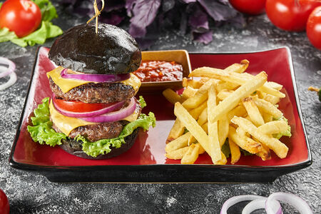 Бургер Черный с бараниной Двойной