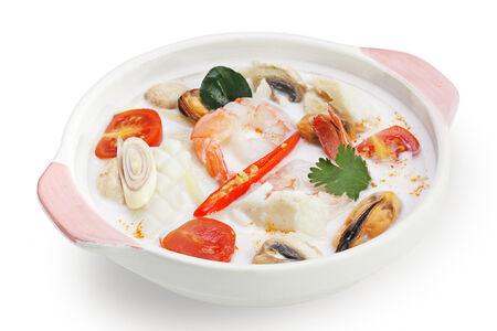 Тайский суп с морепродуктами и кокосовым молоком Том ка тале