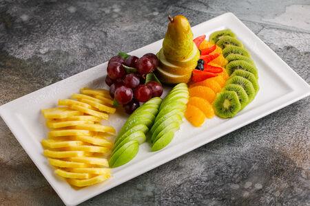 Ассорти сезонных фруктов