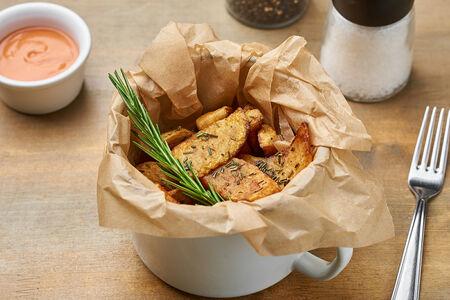 Картофель Айдахо с розмарином и соусом
